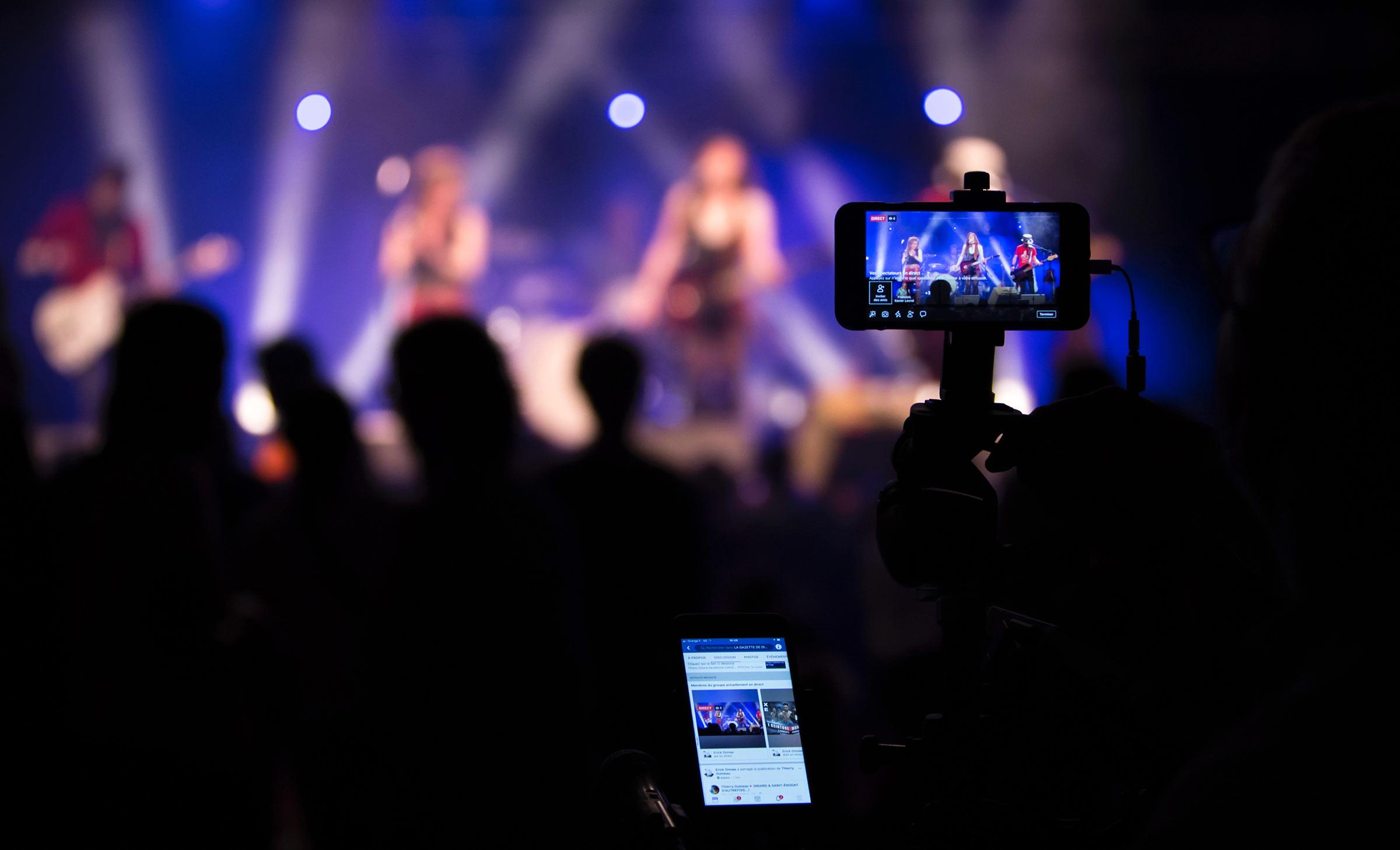 Tại sao livestream đang trở thành một xu thế trên mạng xã hội?