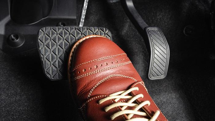 5 dấu hiệu phát hiện phanh xe không còn an toàn khi thuê xe ô tô tự lái
