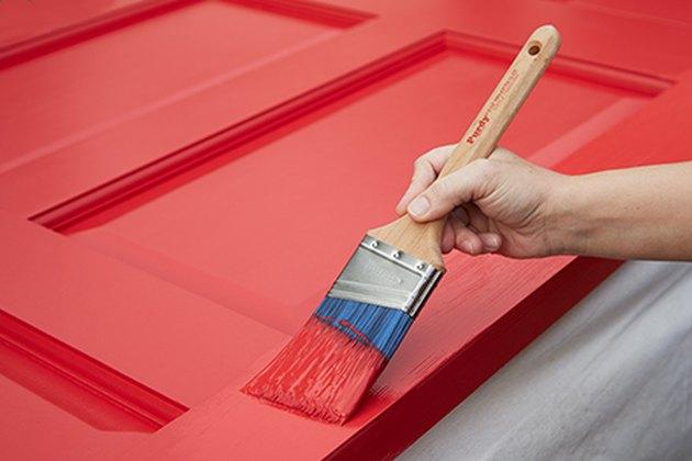 Làm thế nào để sơn cửa ra vào sợi thủy tinh