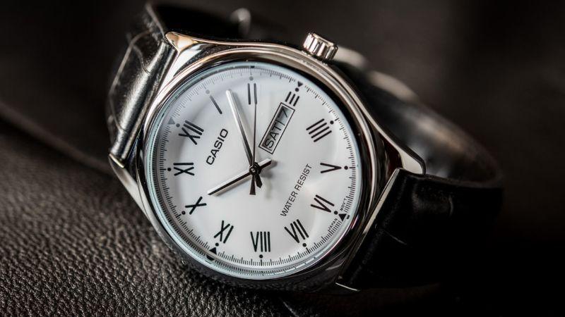 Cách làm mềm dây da đồng hồ đeo tay bị cứng như thế nào