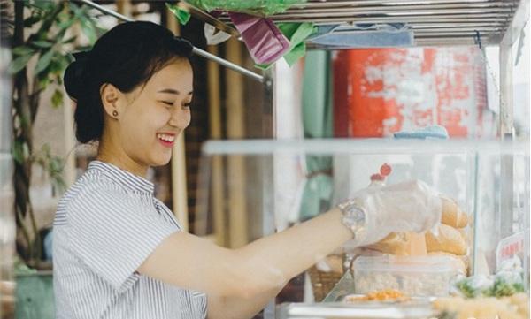 Cần chú ý những gì khi tìm người phụ bán bánh mì?